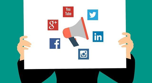 10 Rules of social media